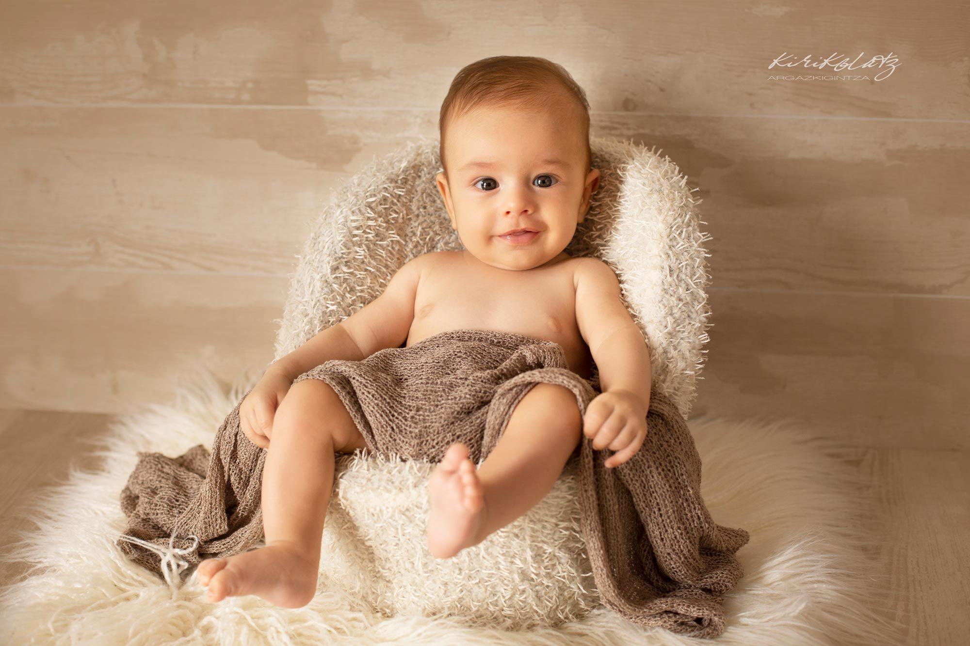bebes fotografa Bermeo Kirikolatz 2meses